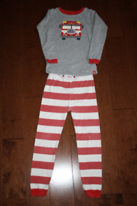 Baby GAP 2 Piece Long Sleeve Pyjama Set - Firetruck- 5T