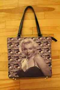 SUPER COLLECTIONS OF MARILYN MONROE. LIKE NEW!! Gatineau Ottawa / Gatineau Area image 5