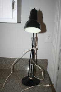 Table/desk lamp