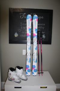 Girls Skis 128 cm, Ski boots 22.5 cm, poles 95 cm