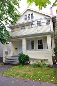 LOOKING FOR SUMMER SUBLET ON VERNON STREET