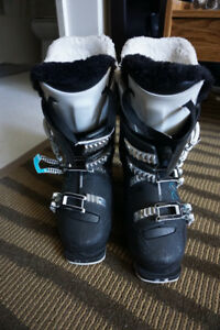 Ski Boots, Rossignol Women's Fit, Pure 70 size 25.5