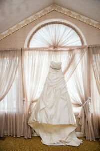 Wedding Dress_Used Once on Wedding Day