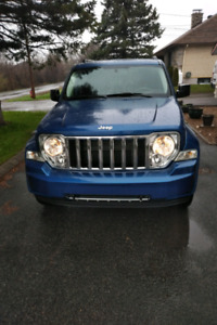 2010 Jeep Liberty Limited (comme neuf)