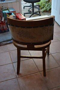 Wooden upholstered chair for sale Windsor Region Ontario image 3