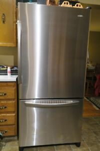 refrigerator and stove set. stainless steal refrigerator, stove set hood fan 6 years old refrigerator and r