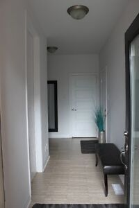 (Nov 1)Beautiful newly built modern townhome for rent in Orleans