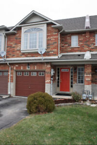 For Rent Grimsby 3 Bedroom Townhouse-74 Magnolia Cres.