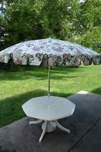 Patio / Deck Table with Umbrella and Seat Cushions