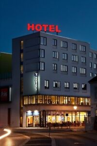 Chain Hotel with about 50 rooms, outskirt of Calgary !!