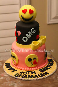 Custom Holiday Cakes! Last minute orders welcomed* Cambridge Kitchener Area image 1