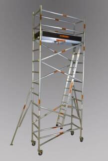 Synergy Scaffolding Aluminium – (Dimensions: 0.7m x 2.5m x 4.4m)