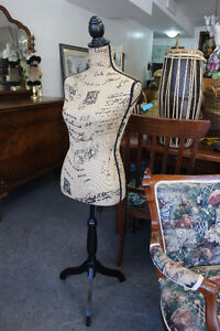 ★ELEGANT DRESS FORM - GREAT COND. MANNEQUIN★ ONLY $130