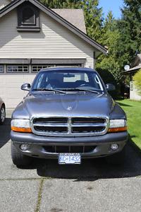 2004 Dodge Dakota Pickup Truck