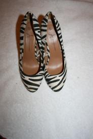 Womens size 6 high heels