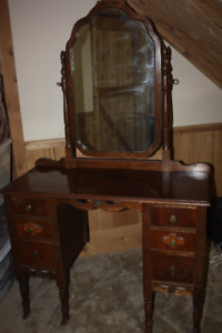 Sit Down Dressing Table with Tilt Mirror
