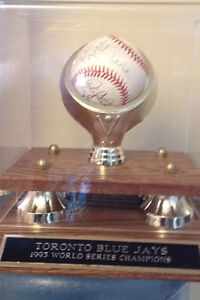 1993 World Series blue jays autographed ball