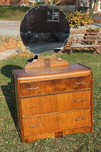 Antique Dresser with Mirror Kitchener / Waterloo Kitchener Area image 1
