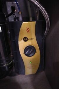 Instant Hot Water Tank - InSinkErator, 1300w, 2/3 Gal Tank