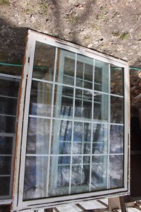 White Vinyl Picture  window and windows with screen x condition