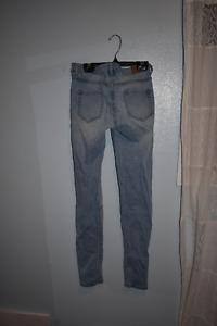 Light Wash Skinny Jeans Distressed
