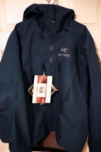 BNWT Genuine Arcteryx SV Jacket – Medium size