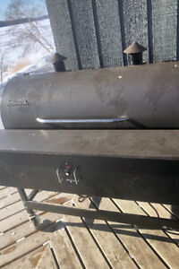 Traeger XL Pellet Grill with cover