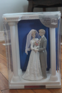 Brand New - Wilton Wedding Cake Topper/Keepsake