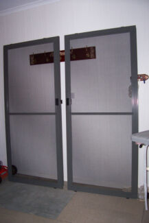 Sliding cedar timber door fly screen stainless hardware for Sliding glass doors gumtree