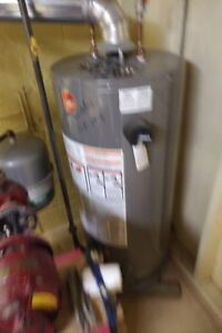 Gas Water Heater - Rheem, Mid Efficiency, 40 Gal, Oct 2014