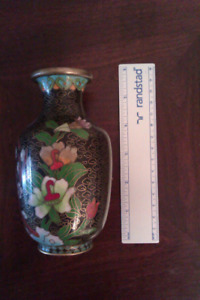 Chinese vase cloisonne collectible $30.00