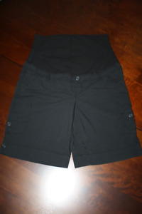 Black Shorts with Pockets Thyme Maternity Size M