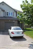 Beautifully Maintained 5 Bedroom Home in Thorold!