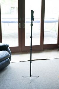 Solid Benro monopod MP-98, great condition (with tri stand)