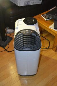 12,000 BTU portable air conditioner like new