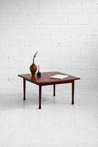 #0262 - Square Teak Coffee Table by N5 Montreal - Mid-Century