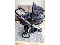Quinny buzz pushchair, carrycot and accessories - in good condition