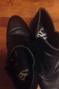 Fergie ankle boots 50 pick up St. Catharines