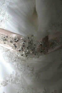FOR SALE WEDDING DRESS :) St. John's Newfoundland image 4