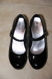 Girl's Size 5 Dress Shoes for Sale