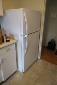 Refrigerator, Kenmore, 5 years old