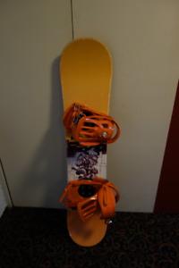 Snowboard - planche à neige junior - AIRWALK 120 avec fixations