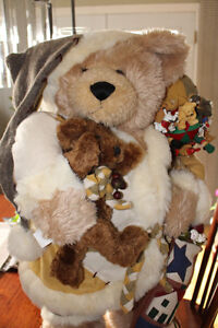 30 INCH CHRISTMAS BEAR - $65 Kingston Kingston Area image 5