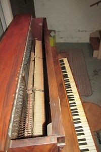 MOZART PIANO #1500 FOR SALE London Ontario image 7