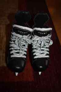 Bauer Supreme One.9 size 12D  Youth Hockey Skates London Ontario image 1