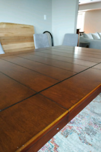 Dining Room Table Set - Chairs & Bench!