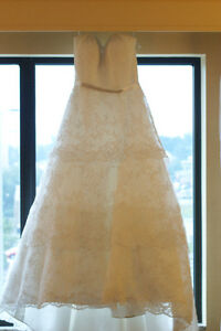 Wedding dress more than 50% off!!