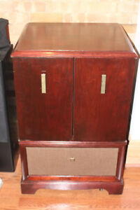 RESTORED RETRO TV CABINET FOR STEREO TURNTABLE OR BAR CABINET