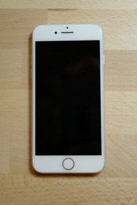 *MINT* 32g iPhone 7 Silver (ROGERS)