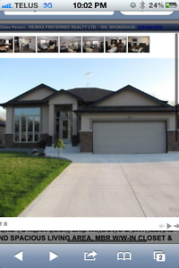 Upscale Lasalle home with room for rent for working professional